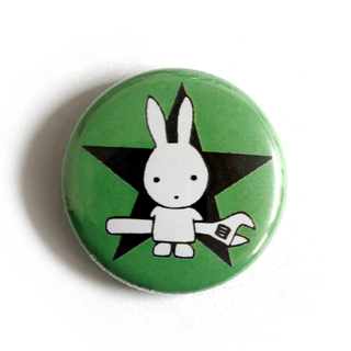 Rabbit with Wrench (green) - Button