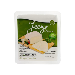 Jeezo Bianco (Mozzarella) - vegan cheese alternative block