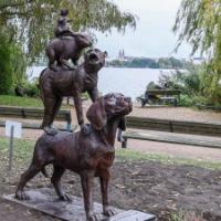 Hamburger Stadtmusikanten mit Hund, Affe, Kaninchen und Ratte